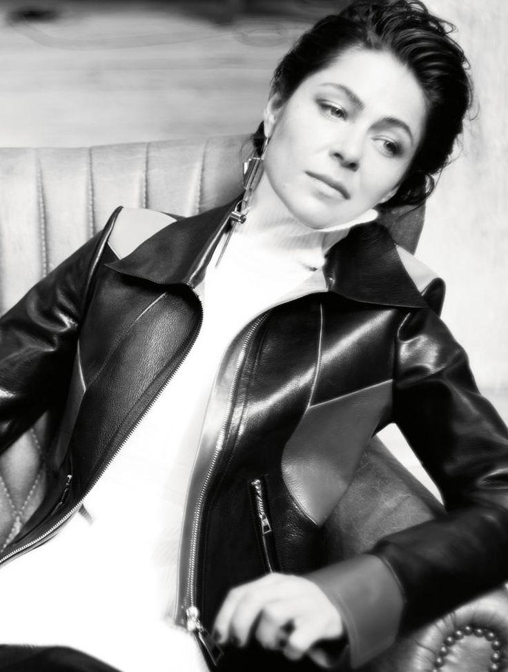 Платье, Escada; куртка, Maison Bohemique Demi Couture.
