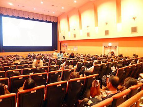 姫路の映画館で「永遠の0」試写会-岡田准一さん主演で前人気上々(写真ニュース)