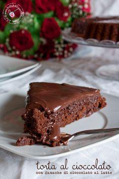 LTorta al cioccolato con ganache di cioccolato al latte