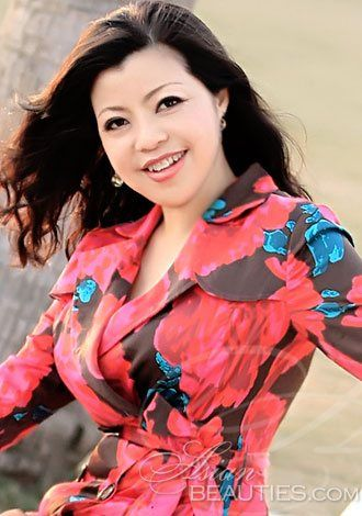 Welcome to our photo gallery! Take a look at Wen(Jessie), looking romantic companionship, Asian woman