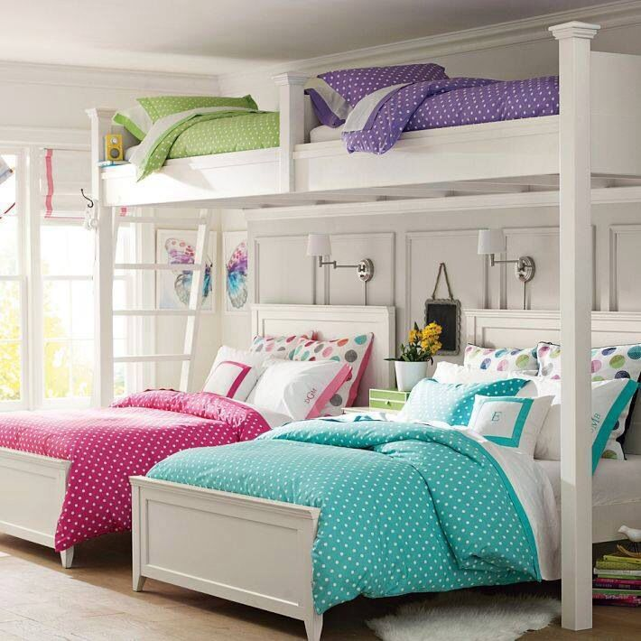 Magenta Bedroom: Gray Walls With Bright Bedding In Blue And Magenta