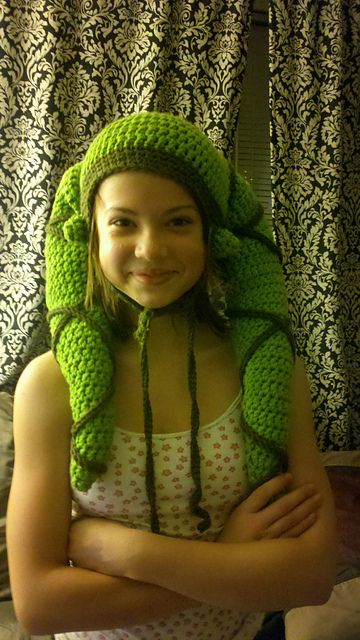 Ravelry: Star Wars Twi'lek Hat pattern by Sara Jean. This is funny, yet awesome at the same time!