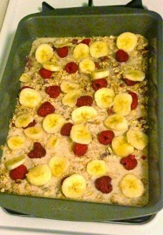 Love, Laugh, Lift : Breakfast for the Week: Clean Eating Berry Banana Oatmeal Bake