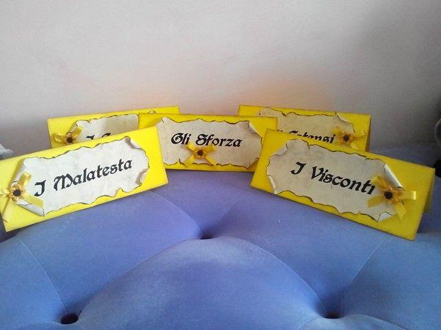 Segnaposti per tavoli castello e casate! www.minimondodianita.com
