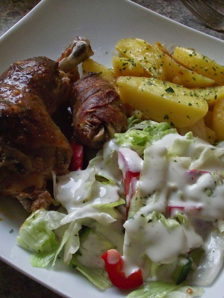 Tündérkonyha: Gombás töltött csirkecomb, velesütött burgonyával