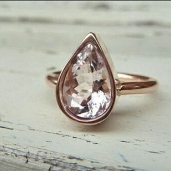 Tendencia en Anillos de Compromiso oro rosado 18k Morganita Durazno talla Pera 7mm #engagement #love #forever #ring #pin #promise #proposal #morganite #tw #gold #pink #18k #compromiso #fb