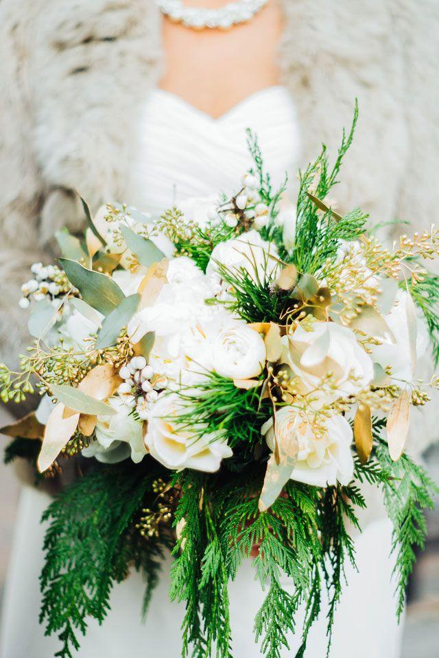 Glitzy New Year's Eve Wedding in Cleveland Flower