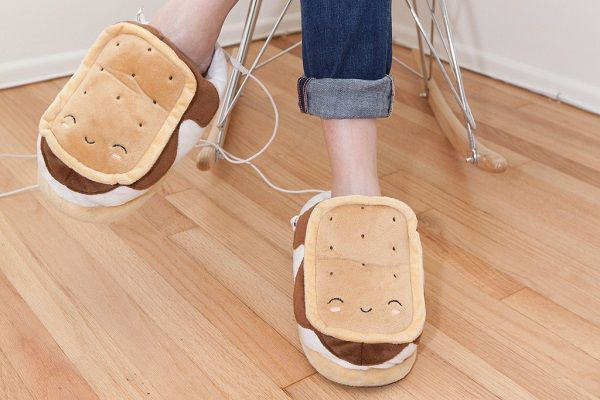 Cute S'mores Bedroom Slippers Are USB Powered To Keep Your Feet Toasty - DesignTAXI.com