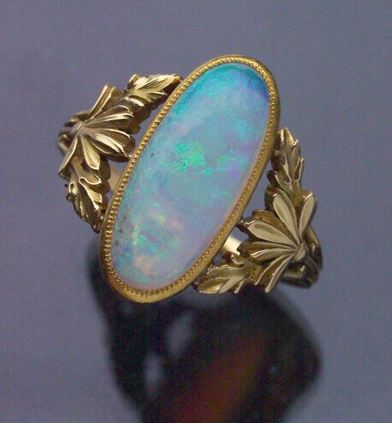 ART NOUVEAU  Floral Ring   Gold Opal  H: 1.9 cm (0.75 in)  French, c.1900  Ring Case    Ref: 7443