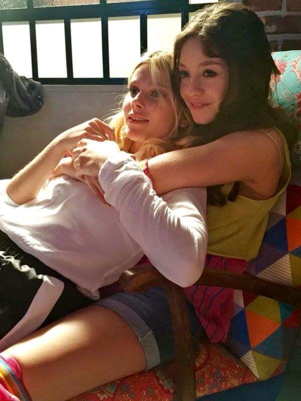 Karol y Valu en nuestro set favorito #SoyLuna