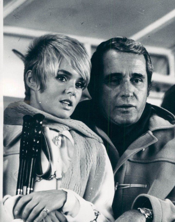 Joey Heatherton and Perry Como in The Perry Como Winter Special - 1972 -- remember Joey Heatherton?