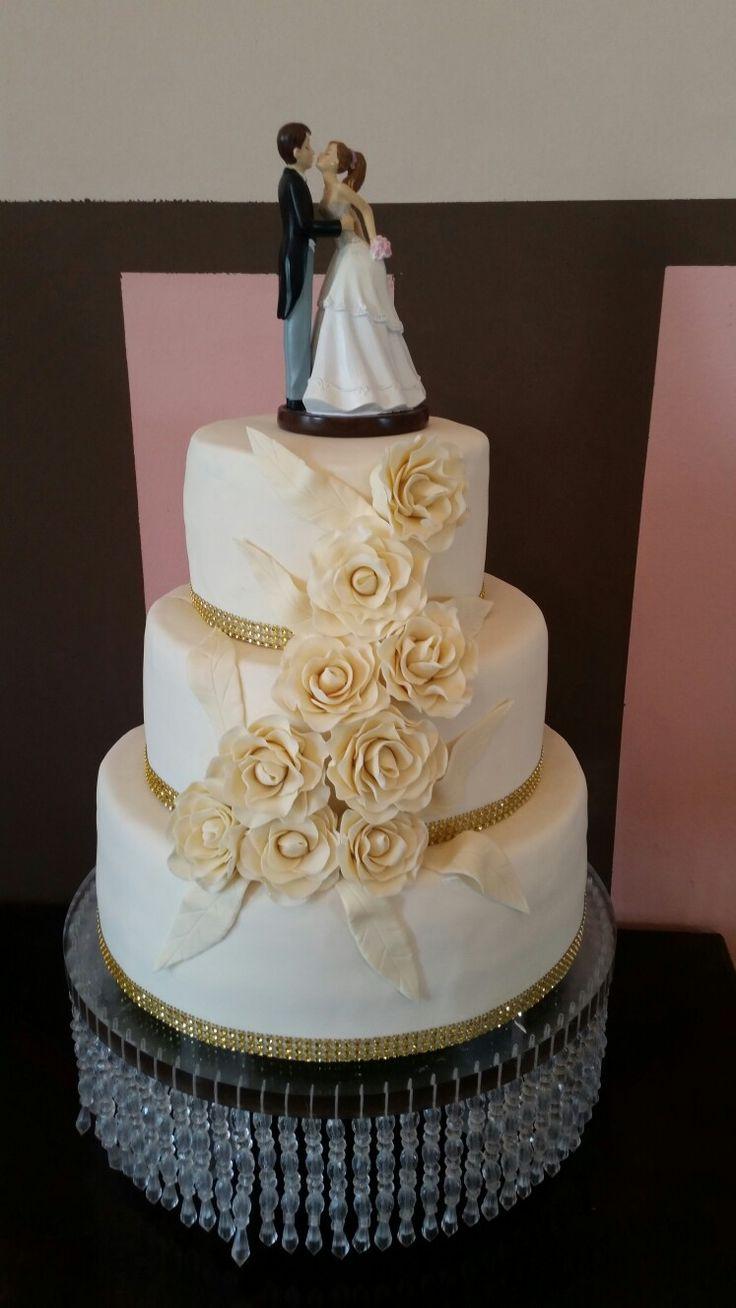 Wedding cake, roses