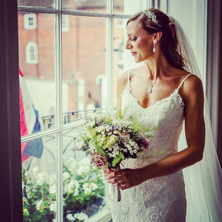 Live on the blog this morning is our latest real wedding at @harbour_hotels! We think Tanya's wedding style is on point! {Link in bio} #jameswhitephotography #Chichester #realwedding #bride #wedding #Chichesterweddingvenue #beautiful #weddingbouquet #weddingveil #flowers #weddingdress {http://buff.ly/2fNpiRo}