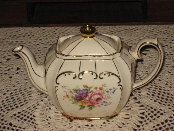 Sadler Tea Pot VINTAGE England c1950s Beautiful Floral Bouquet Pattern GOLD Scrolls CHINA Teapot Mint Condition
