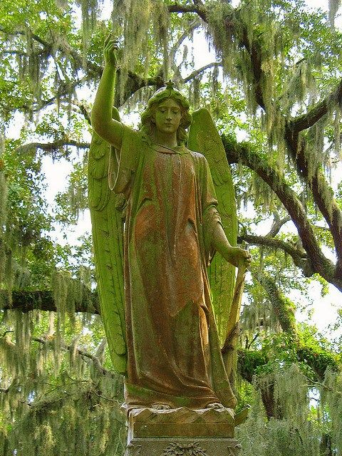 Bonaventure Cemetery in Savannah, Georgia, A must see.....amazing!
