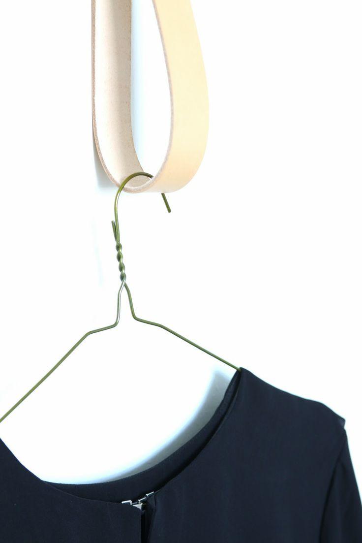 muotoseikka\ Nerokas Strap Hanger / Clever Strap Hanger