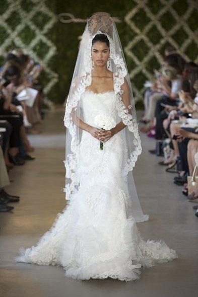 "I'm really feelin' this ""Nefertiti-meets-haute-couture-bride"" look ;) Oscar de la Renta S/S 2013"