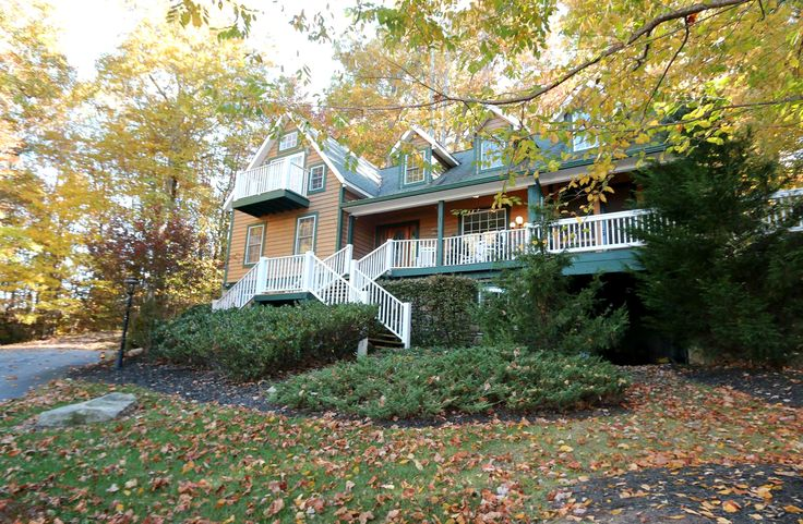 17 best images about hendersonville nc homes for sale on for Houses with mother in law suites for sale near me