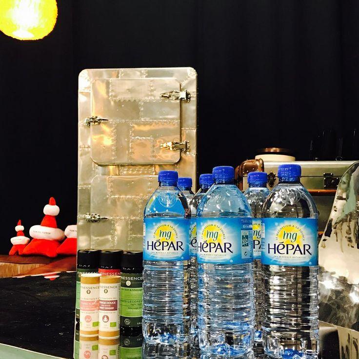 @fujico.balletone *東京タワー 敷地内 メディアセンター 3階 スタジオ Mercury✨💫 「バレトン+アロマストレッチ」は、100%オーガニックオイル finessenceのアロマオイルを使用し、バレトン後の頑張ったカラダを、癒していきます✨💫 また超ミネラルウォーターHEPAR 1リットルもプレゼント!! ココロもカラダもデトックスしましょう! 11月26日(土)、 12月4日(日)、17日(土)開催です! 11時〜12時30分 🐈 26日は、東京タワー大展望台でのASAYOGAも開催です🗼わたしも参加します🗼 お申し込みは、peatix💻 またはトップページのfujicoのブログ、FBページよりもリンクしております🐝🐝🐝
