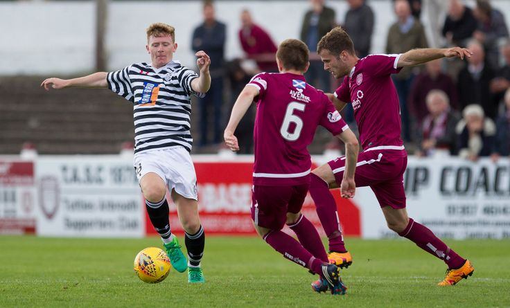 Queen's Park's Dominic Docherty in action during the SPFL League One game between Arbroath and Queen's Park.