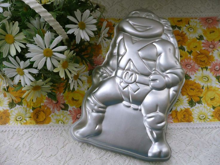 Collectible Vintage Wilton Teenage Mutant Ninja Turtles Cake Pan #2105-3075 - Michelangelo by MossyCottage on Etsy