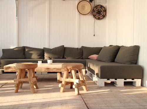 Ubuntu beach zandvoort - bank gemaakt van pallets - Buy Nothing New - www.buynothingnew.nl #bnnm13 #ontdekwatjehebt
