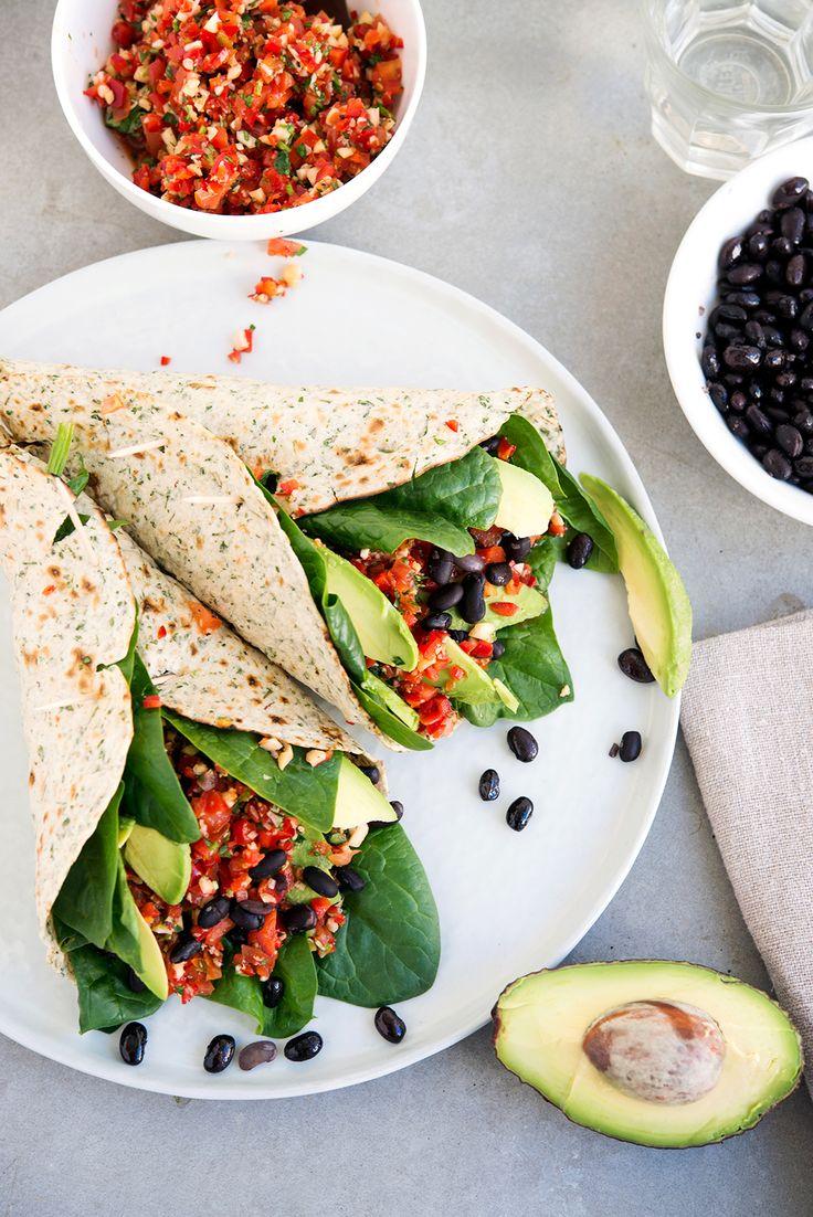 Burrito-Time, Corazon! Es gibt einfach nichts Besseres als Fast-Food im Schneckengang! Schwarze Bohnen sind ein wahres Nährstoffpaket, voll mit Eiweiß, Eisen und enthalten viele Bestandteile aus...
