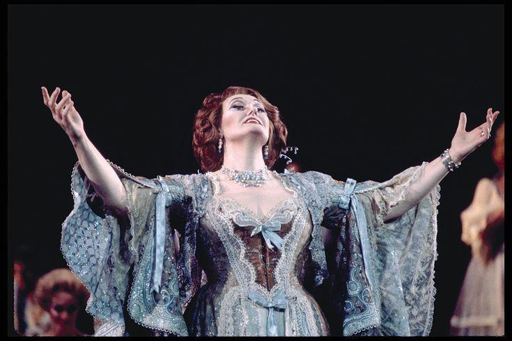 Hanna S Vilja Lied Lyrics Translation And More Joan Sutherland Merry Widow Opera Singers