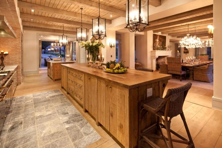 :: Wynand Wilsenach Architects :: Hope de Constance - beautiful kitchen with a Lanes klompie feature wall
