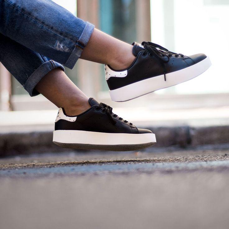 Adidas Stan Smith bold color negro. Adidas originals BA7772. Adidas Stan Smith plataforma black. https://www.zake.es/zapatillas-moda/zapatillas-stan-smith-bold-negra-adidas-original-11070.html