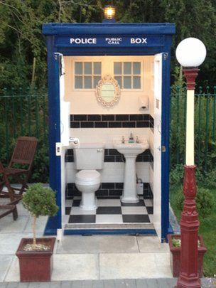 The Who loo: Doctor Who-style TARDIS toilet appears on Bristol to Bath cycle path The flashing light on top of the TARDIS alerts people someone is using the bathroom Continue reading the main story