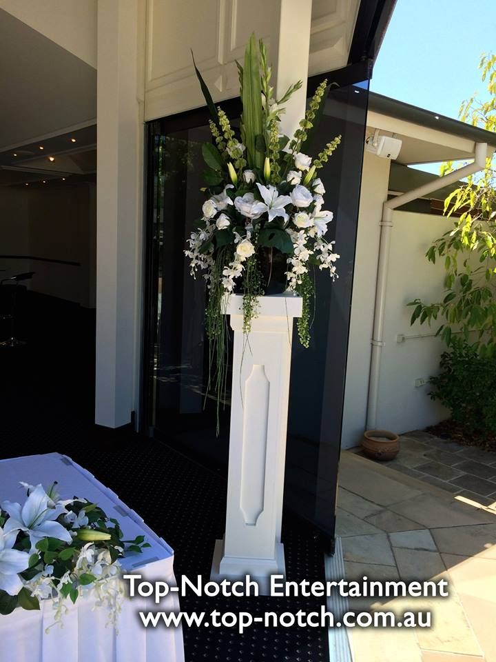 Floral arrangements at All Seasons, Bendigo. http://www.top-notch.com.au/ https://www.facebook.com/TopNotchEntertainment/