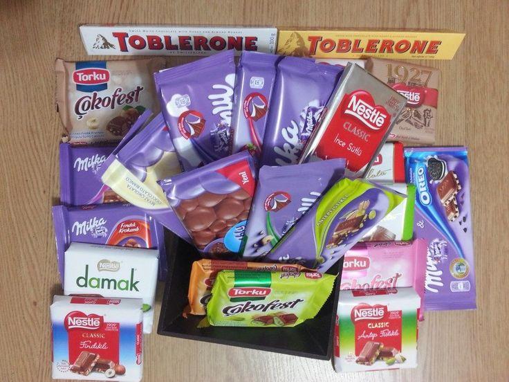 Hepsi sütlü çikolatalar, tam da sizin istediğiniz gibi   Ekonomik Sütlü Çikolata Paketi 4 farklı marka, 25 çeşit çikolata kargo dahil sadece 70 TL  www.cikolatalimani.com