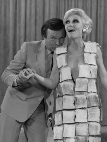 Jeannie Little on The Mike Walsh Show. Helloooo Daaaaaarlings! I remember this. The toast Dress. Way before Gaga's meat dress. She's not so original after all.