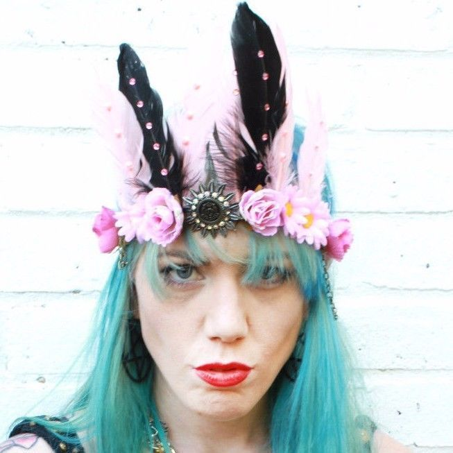 31.23$  Buy here - http://viaoi.justgood.pw/vig/item.php?t=llm8v8d0617 - SECRET GARDEN FAIRY FEATHER BRIDAL HEAD DRESS HEAD BAND FESTIVAL FLOWER CROWN