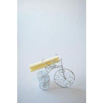 Bicicleta alba cu  ravas