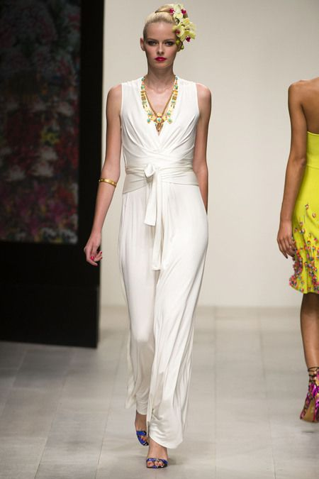 Issa Spring 2013 // Pretty necklace + white jumpsuit
