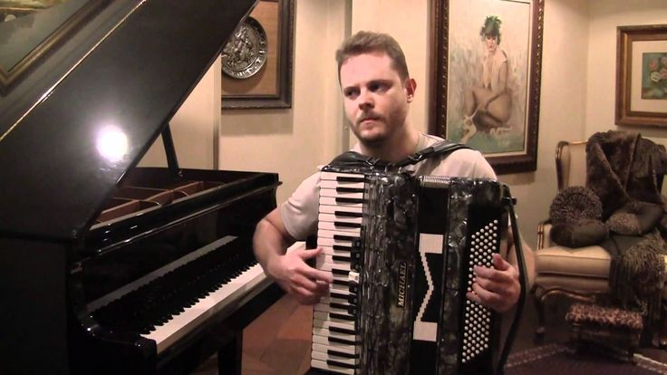 Musica Tropa de Elite no Piano e Acordeon Rap das Armas