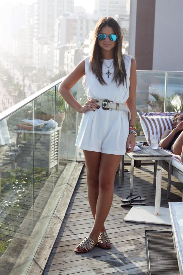 White Dress - Thassia Naves