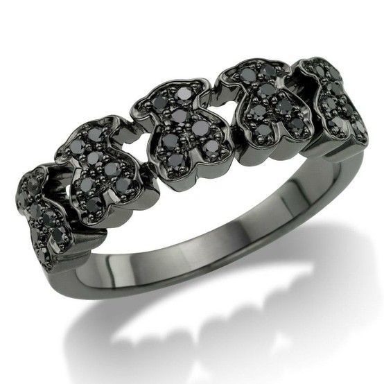 18kt black gold TOUS ring with black diamonds
