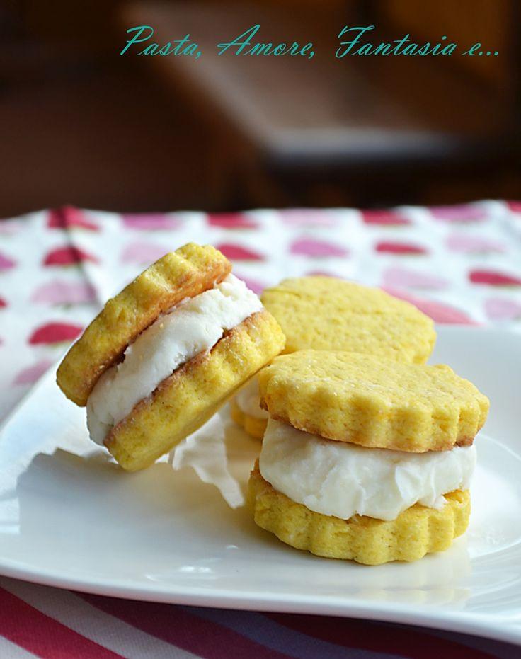 Biscotti gelato con crema al latte, ricetta dolce