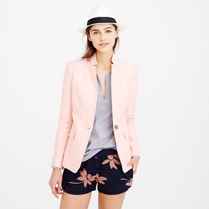 Feminine and fitted (but not shrunken), our favorite blazer is sharp and sleek with clean lines, a popped collar and a slightly longer length. Bonus: We updated it in lightweight linen with a summery texture. So basically, it's even more charming than ever.