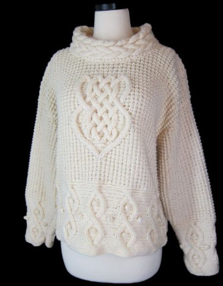 Must make this! It is an Alice Starmore pattern from her Celtic Collection - Tara, Sweater in Celtic Knotwork.