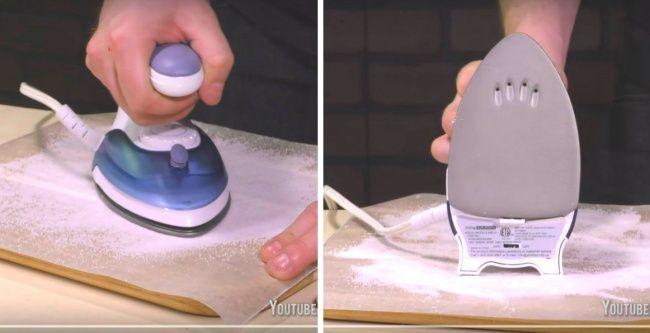 Limpia tu pancha Toma una tabla de madera para cortar, ubica sobre ella una hoja de papel para hornear y espolvoréalo abundantemente con sal. Enciende tu plancha, deja que se caliente, y luego mueve vigorosamente tu plancha sobre la sal durante un minuto.