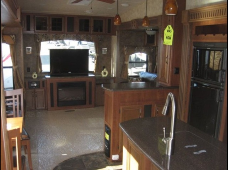 Th Wheel Campers With Rear Living Room