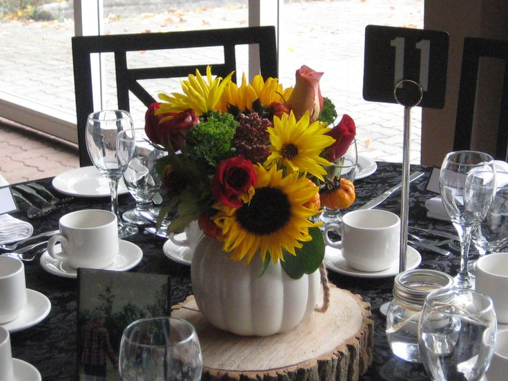 Thanksgiving Wedding fresh flower  arrangement