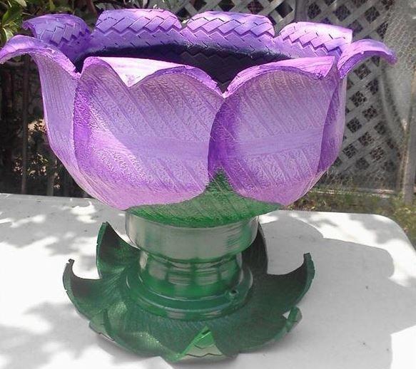 Adorno gomas flores neumaticos ricaulte asombrosas for Decoracion con neumaticos