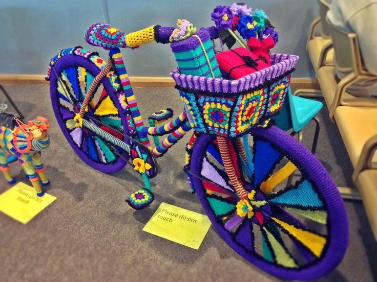 Yarn Bomb Bike-11