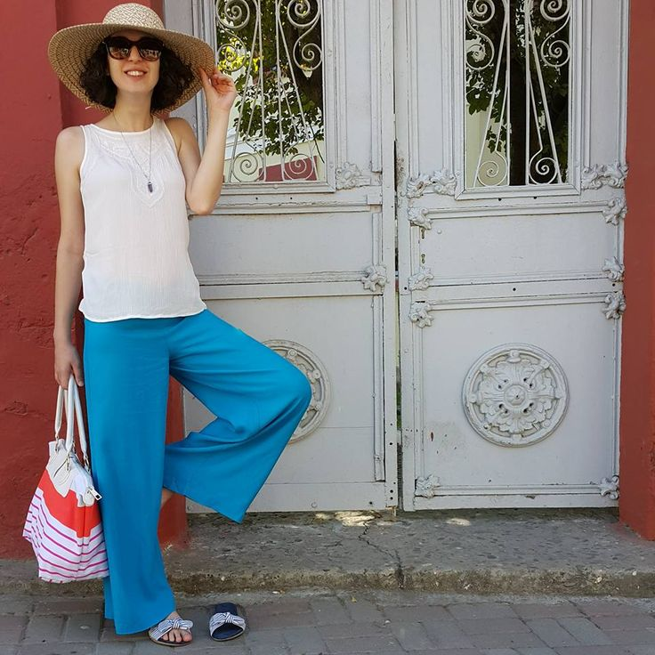 Sipariş ve sorularınız için WhatsApp: 0553 487 487 7  #desireboutique #butik #moda #fashion #stil #tarz #özeldikim #yeni #new #yenisezon #newseason #elbise #dress #etek #yelek #ceket #dantel #lüks #kalite #istebenimstilim #palto #kaban #siyah #kırmızı #kalemetek #şık #style #stylish #pudra #ayakkabı #çanta #alışveriş #krep #gabardin