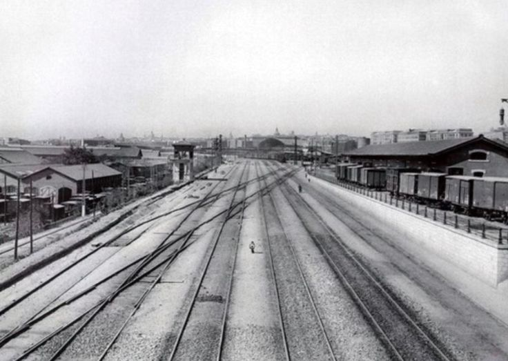 Entrada a la estación de Atocha (Madrid), año 1914